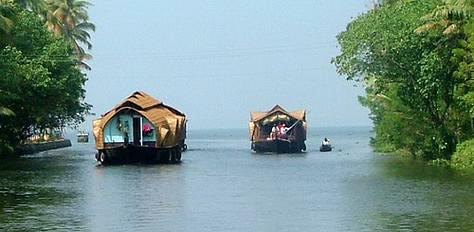 Cochin-Munnar-Thekkady-Alleppey Tour