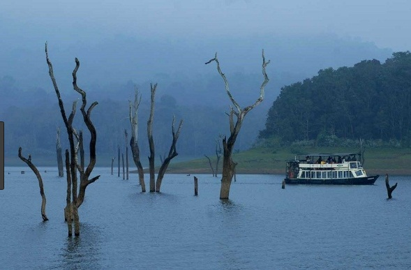 Thrissur–Munnar–Thekkady Tour Package